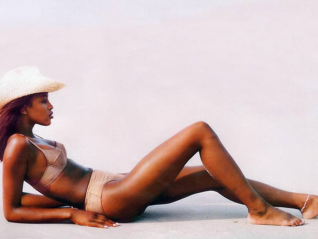 Naomi Campbell sexiest video - YouTube