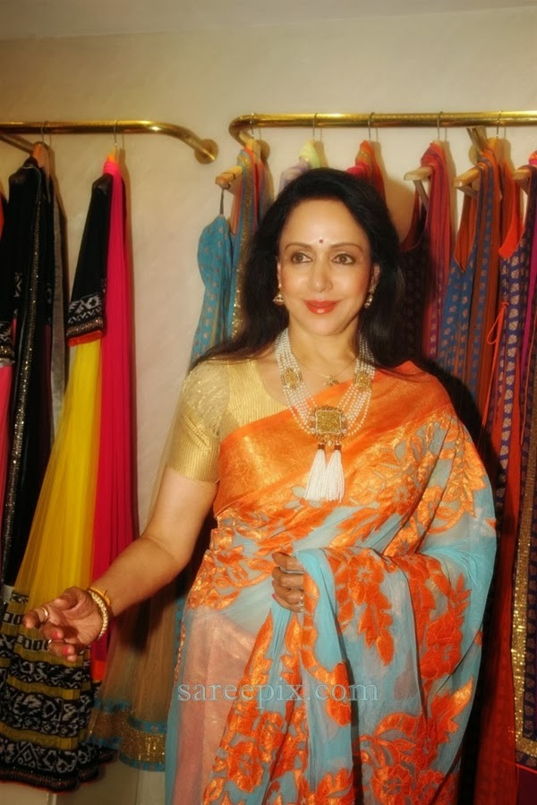 Hema-malini-transparent-saree-Neeta-lulla-new-collection-launch