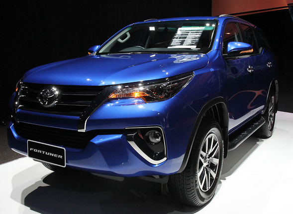 All New Toyota Fortuner 2015 Nebula Blue