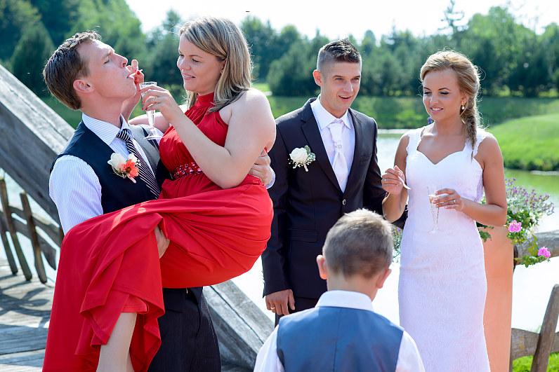 linksmi vestuviniai žaidimai