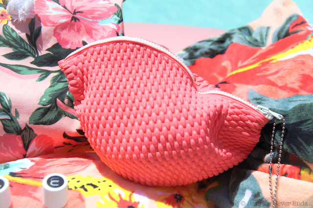 sac de plage,serviette éponge,néoprène,combo de surf,ripcurl,#mybikini,bensimon,bensimon hossegor, tennis,bonnet de bain,evoa,sun bum,lumix,nailmatic,flamant rose gonflable