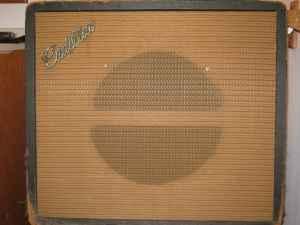 Craigslist Vintage Guitar Hunt: Possible Supro/Valco tube ...