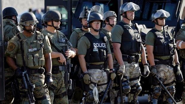 la-proxima-guerra-militarizacion-de-policia-en-ferguson-estado-policial