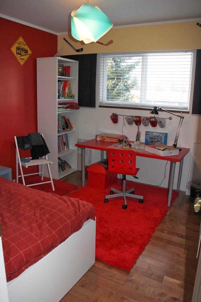 schreibtisch fuer den 06er seite 3. Black Bedroom Furniture Sets. Home Design Ideas
