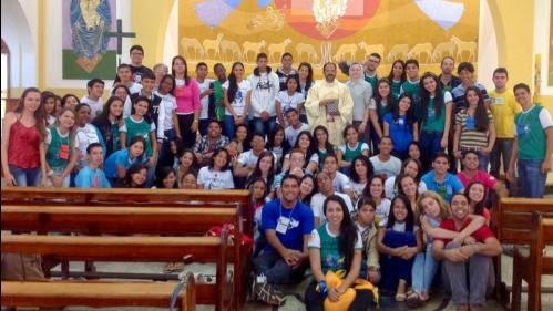 Encontro em Goiás reúne jovens de 4 dioceses