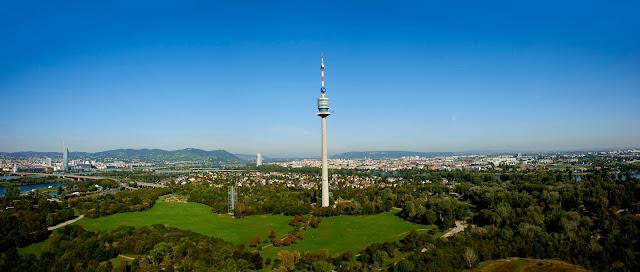 برج الدانوب اشهر معالم فيينا السياحية