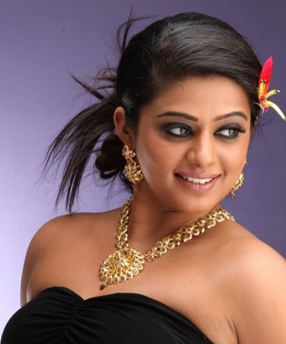 priyamani spicy hot images