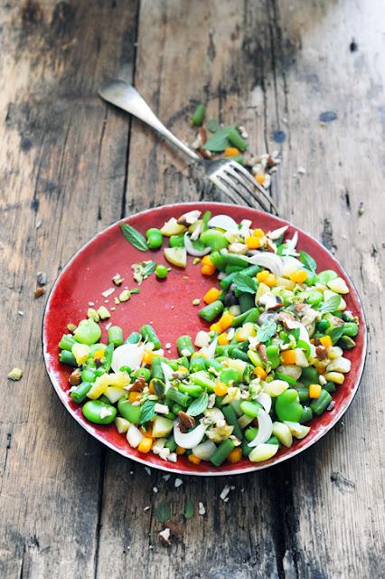 Et si la jardinière de légumes devenait une salade irrésistible ? Salade en jardinière et sauce furieuse...