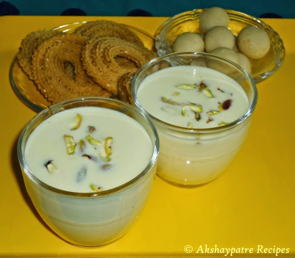 almond saffron Milk in serving glasses