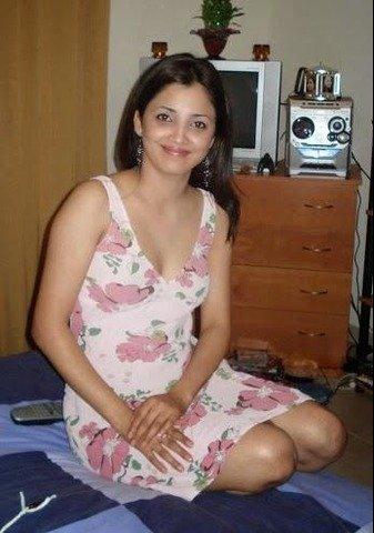 Hot Mumbai Girls in India Call Amber 09892814457  XVideos