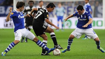 Schalke 0 - 0 AEK Larnaca (1)