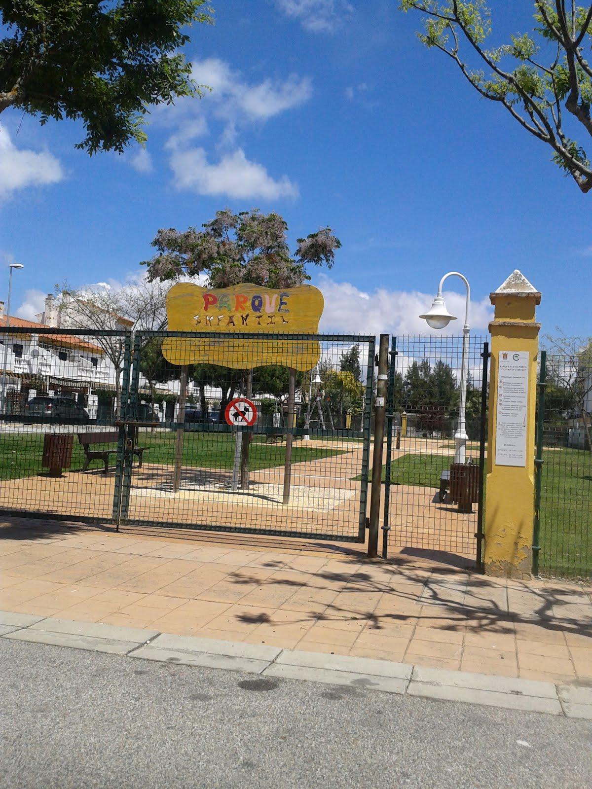 Nuevoportilyelportil puerta cerrada del parque y puerta for Puerta 7 campo de mayo