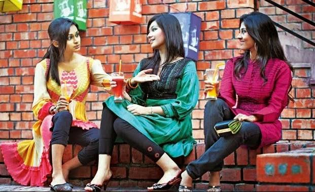 Bangladeshi+University+Girls+Hot+Photos002