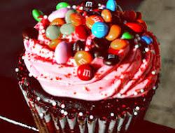 ¿Qué pasa si combinas un cupcake con unos M&M's?