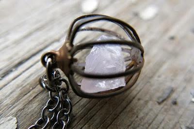 batu perhiasan,kalung batu,batu bacan,kalimaya,batu pancawarna,kalung batu akik