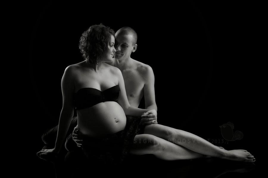 mees-naine-poolakt-beebiootus