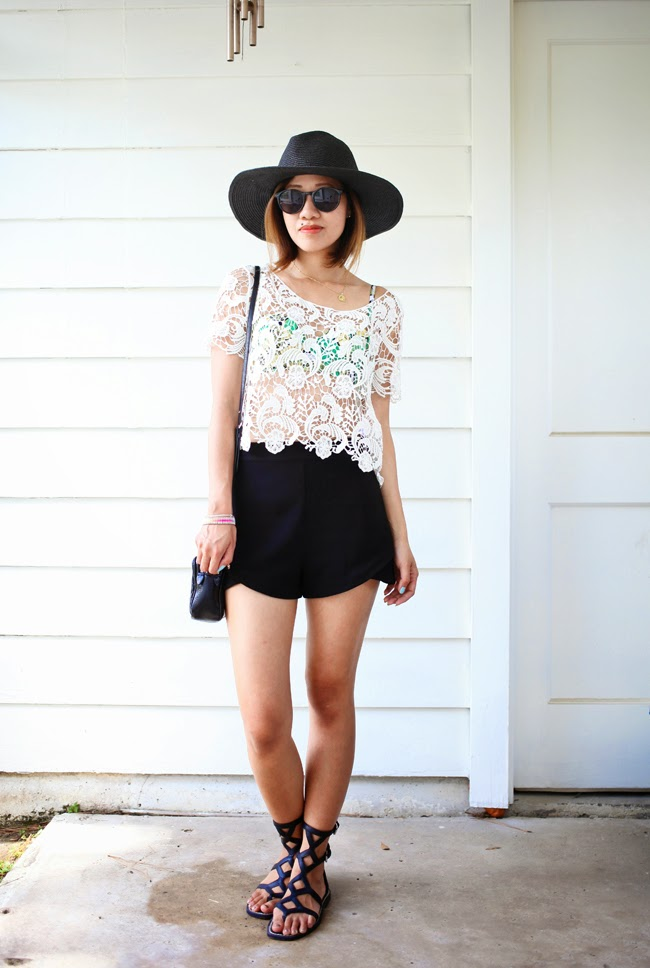 forever 21 black shorts lace top black hat festival outfit