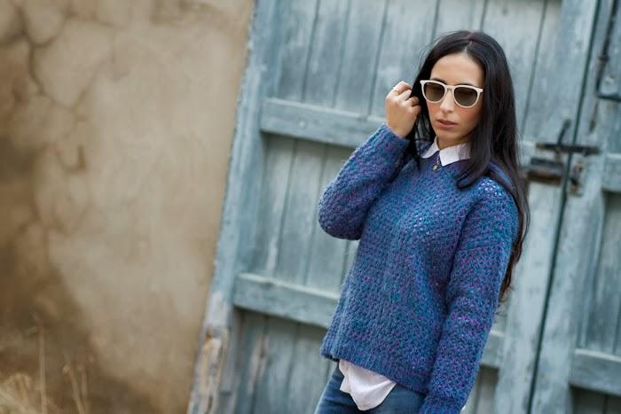 Blogger Moda Valencia con outfit con jersey corto y jeans Meltin Pot Reversibles