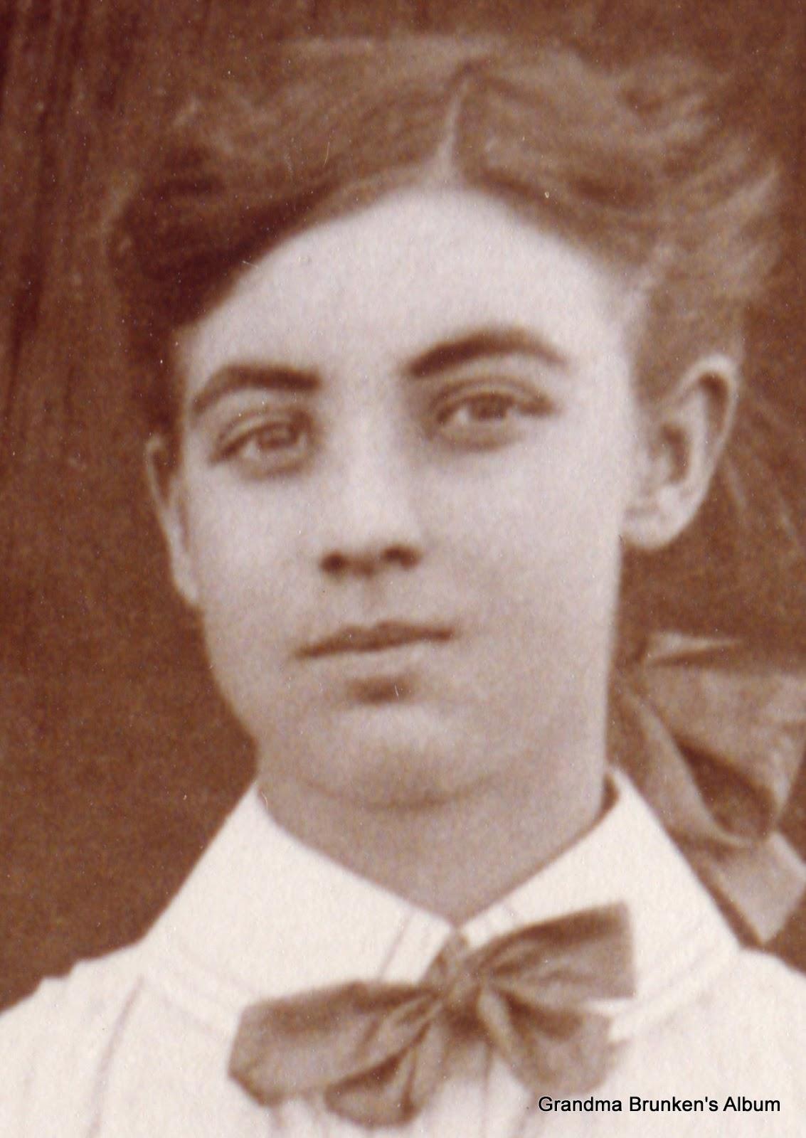 Lucia Petersen - Circa 1905