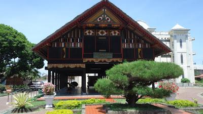 Mesium Aceh dan Rumah Adat Aceh