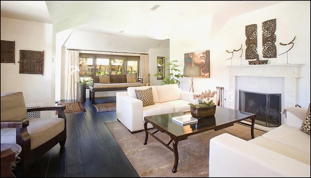 Interior photo of living room