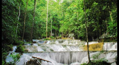 air terjun maromo