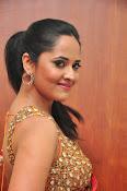 anasuya sizzling saree stills-thumbnail-14