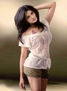 Prachi Desai Unseen Pictures (1).jpg