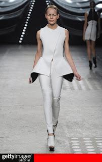 model+pakaian+wanita+terbaru Trend Gaya Pakaian Wanita Terbaru 2012