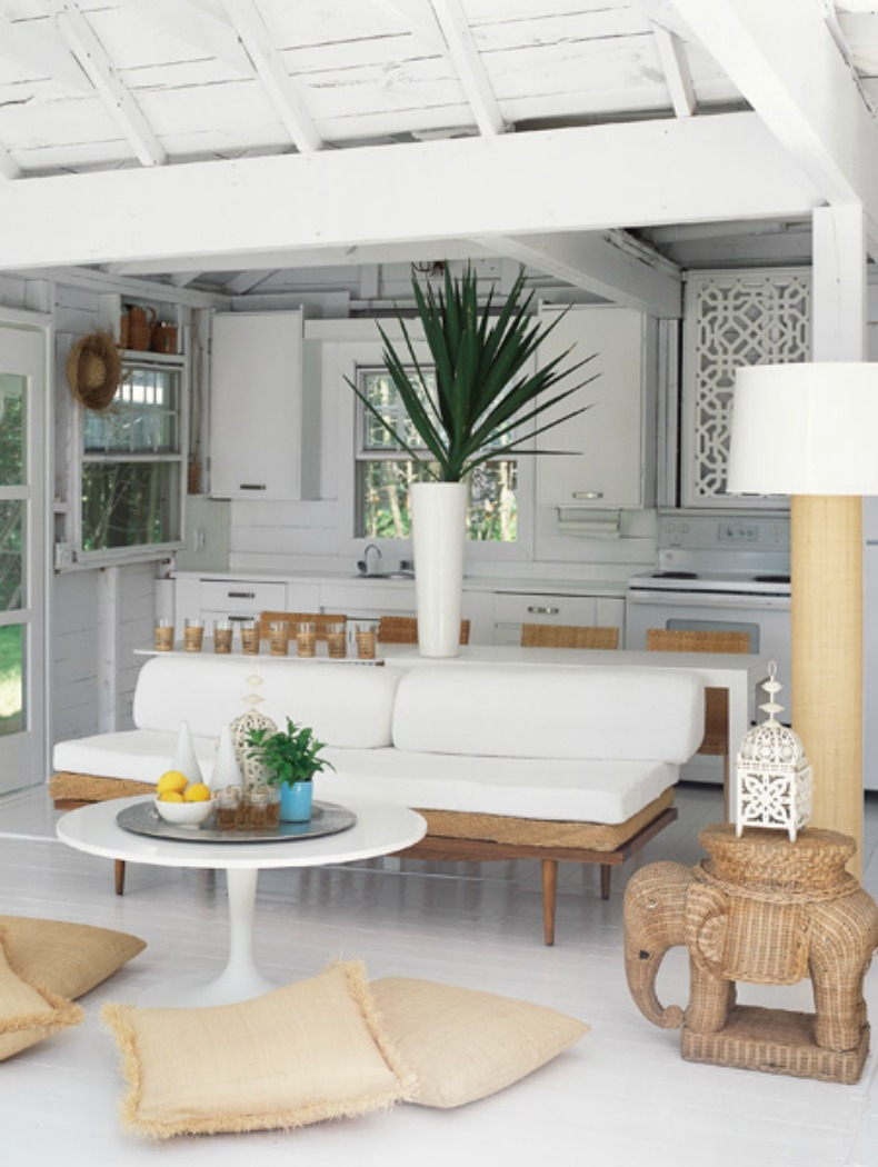 Coastal white kitchen