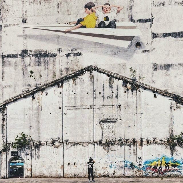 After travelling throughout Europe for several events and festivals in the last months, Ernest Zacharevic is back on the streets of Malaysia where he's been hard at work in Ipoh.