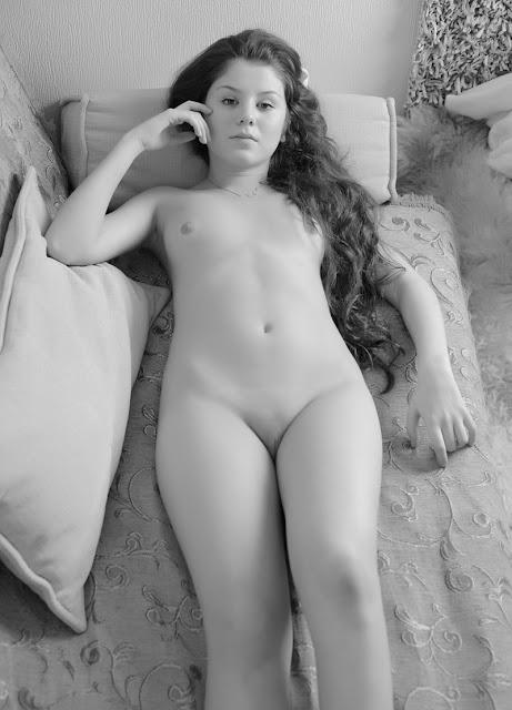 nakna vackra damer sex på stranden