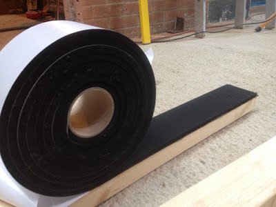 Vibration control foam, for acoustic isolation of structural elements.