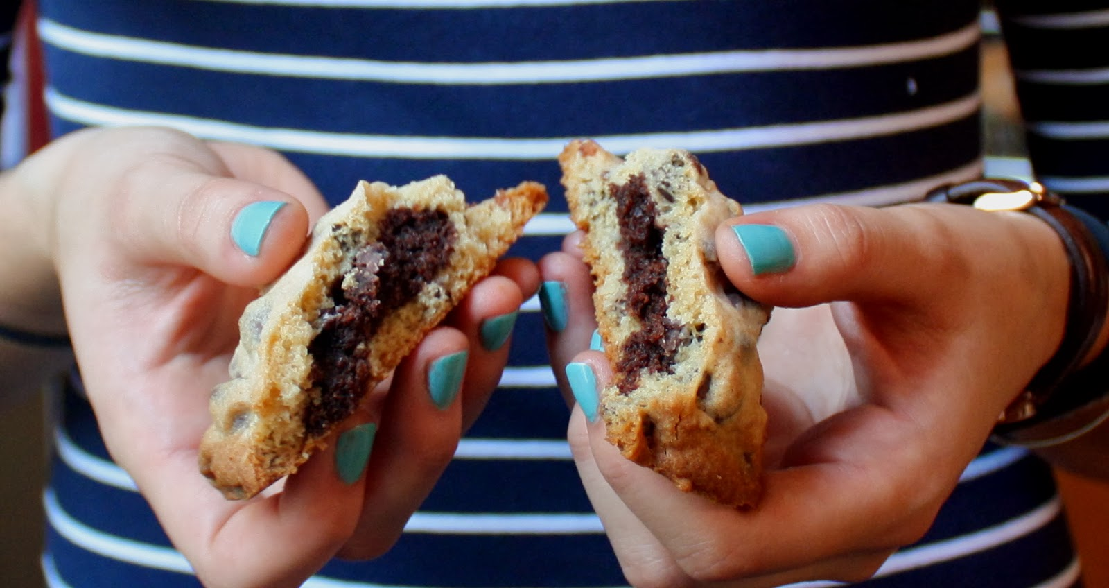 Cannella Vita: brownie stuffed chocolate chip cookies