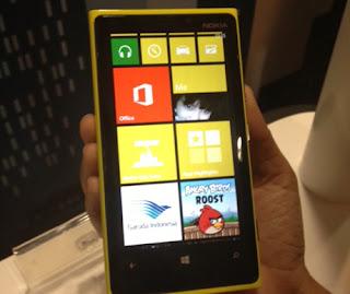 Lumia 920 Hadir Bagaimana Nasib Lumia 900
