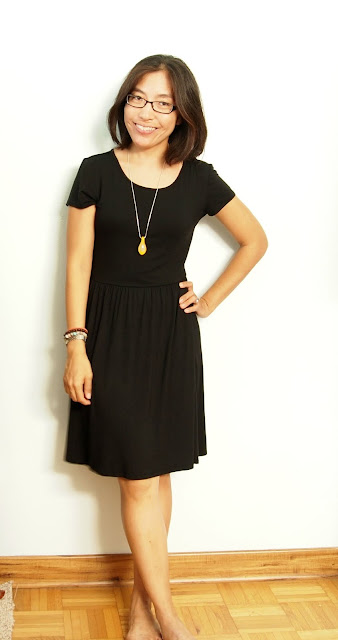 black dress yellow necklace teacher style summer style