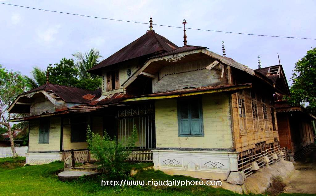 Istana Kerajaan Gunung Sahilan Riau Daily Photo