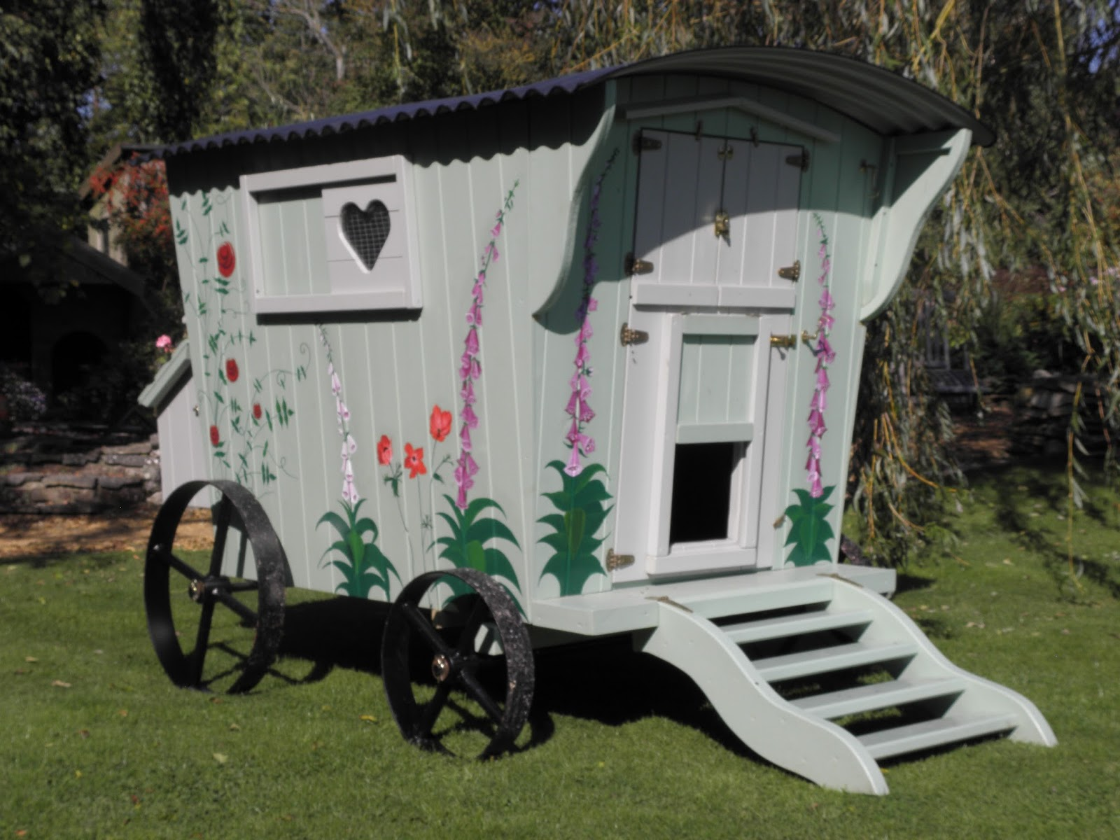 Flyte so fancy my favourite painted and decorated flyte for Fancy chicken coops for sale