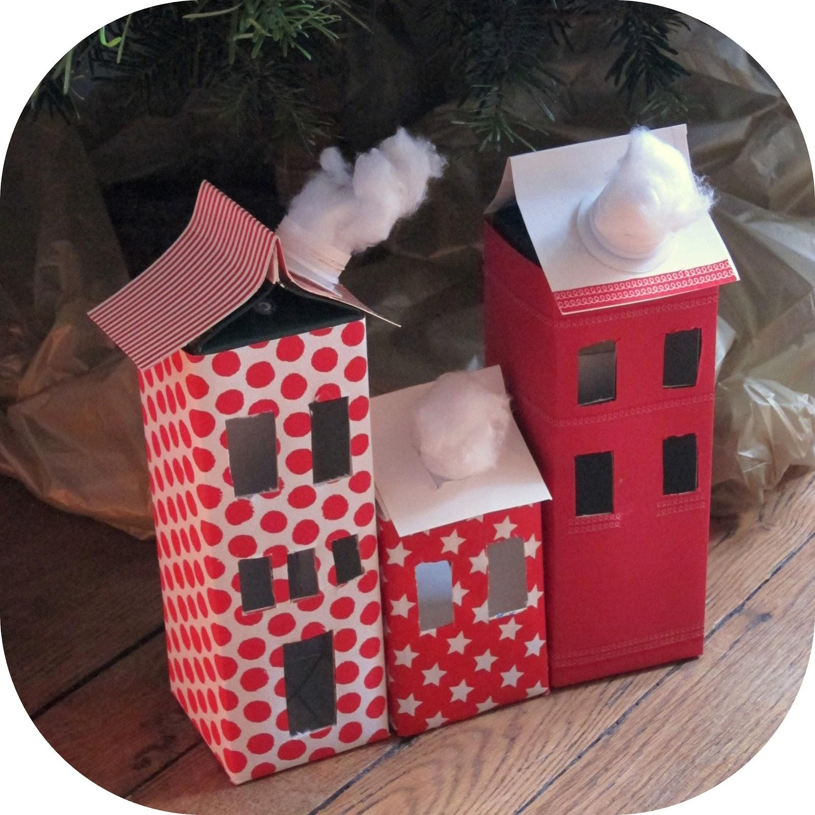 fabriquer un village de noel en carton village de noel en carton legrenierdemamy village de p. Black Bedroom Furniture Sets. Home Design Ideas