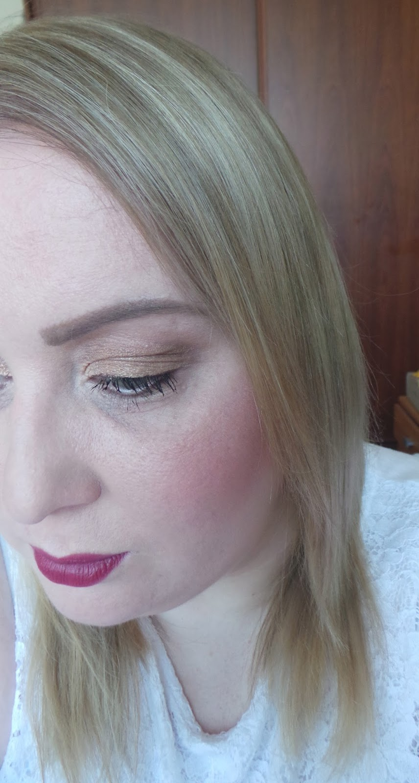 Charlotte Tilbury Cheek to Chic Swish and Pop blusher in Ecstasy