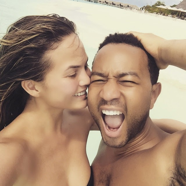 [Photos] John Legend and Wife Are Just Drunk In Love!