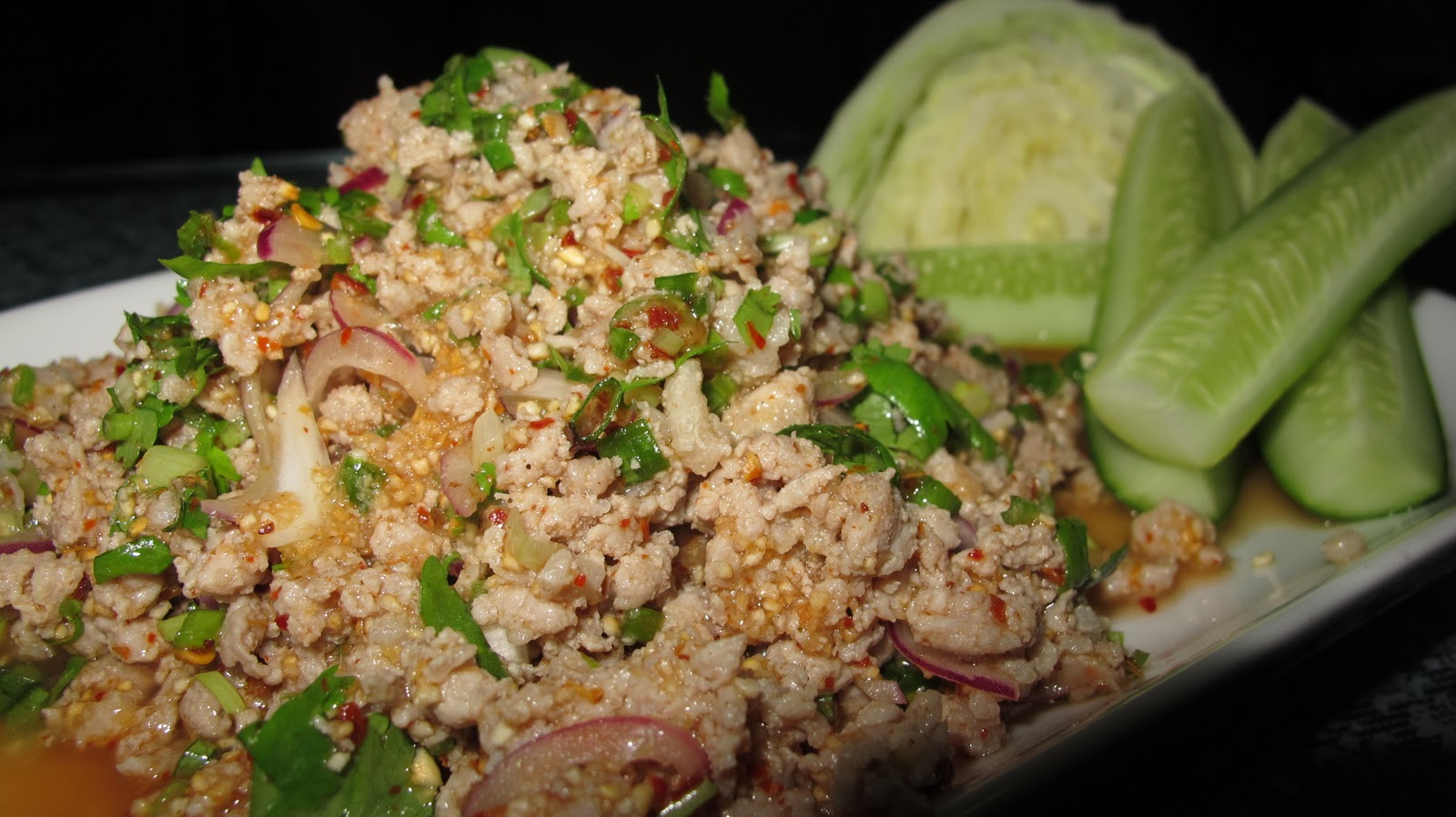 KitchenAholics: Northeast Thailand style meat spicy salad (Larb)