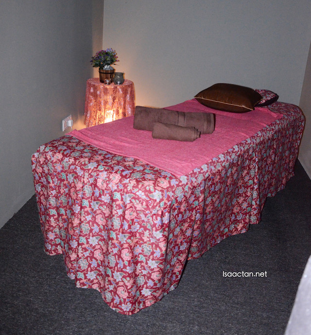 Dimly lit rooms for the massage session