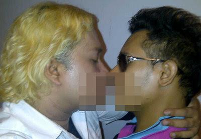 Foto Ciuman Tata Liem dan Kiki D'Rayu