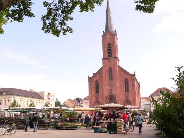 Kehl Innensadt Markt Marktplatz Kirche Urlaub Camping