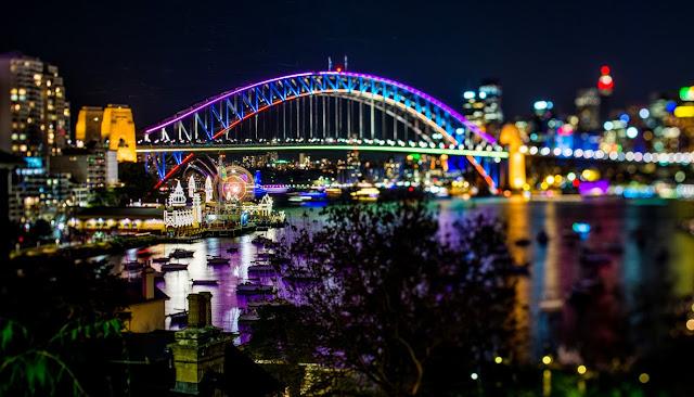 Vivid Sydney 2015 Metro Hotel on Pitt special