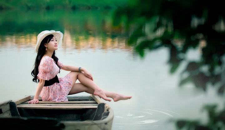 我朝朝暮暮怀念你 (wǒ zhāo zhāo mù mù huái niàn nǐ) - I miss you day and night 我时时刻刻祝福你 (wǒ shí shí kè kè zhù fú nǐ) - I bless you day and night