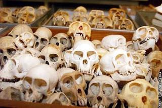 Hobi Aneh, Pria Koleksi Tulang