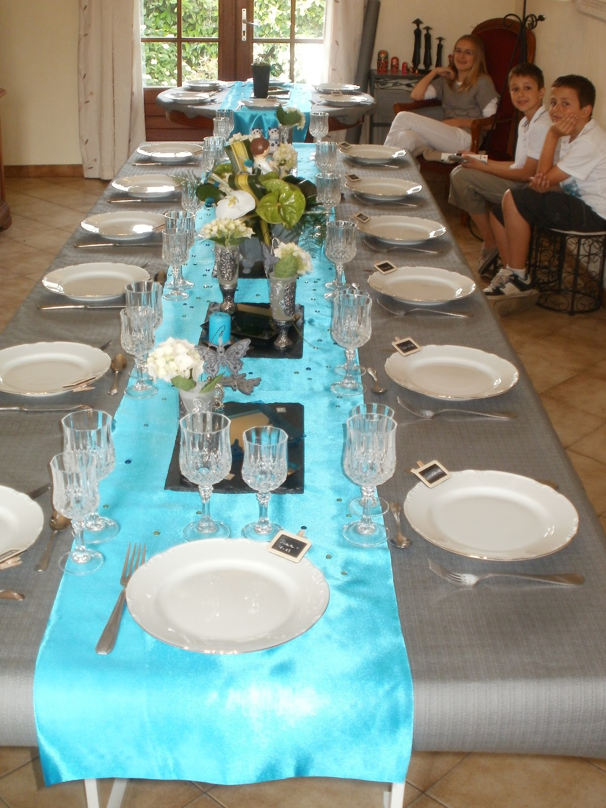 Marvelous deco de table bleu et gris 4 une d co de table for Decoration de table bleu turquoise