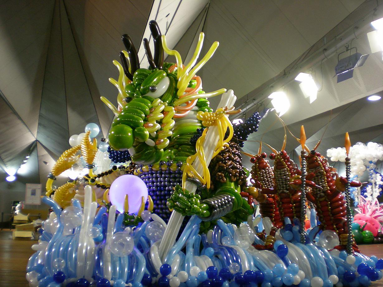 Balloon art party favors ideas